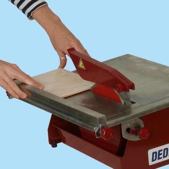 Электрический станок для резки кафеля DEDRA DED7712